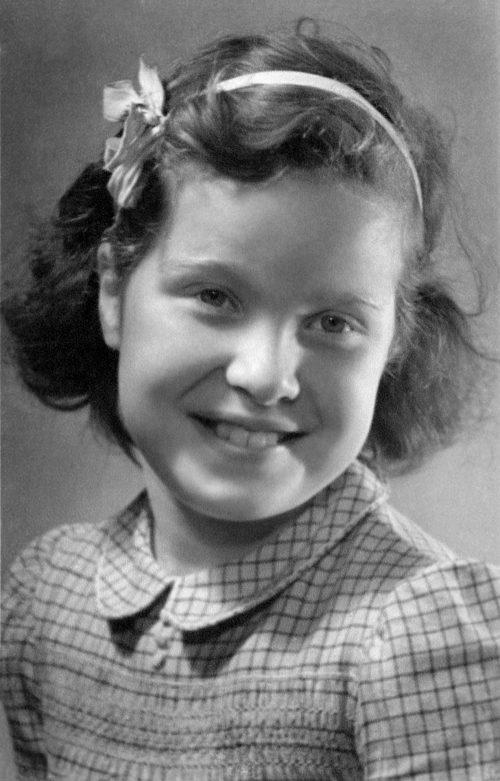 """<p>Heidi's mother – Ruth """"Tutti"""" Lichtenstern<br /> Fishman, 1944</p>"""