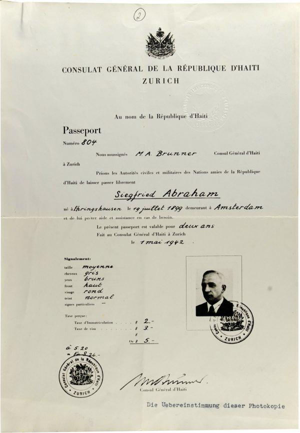 <p>Paszport Haiti wystawiony dla Siegfrieda Abrahama<br /> <small>Archiwum Yad Vashem, dr Abraham Silberschein Archive, sygn. M.20/165</small></p>