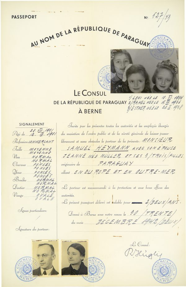 <p>Passport for the Heymann family<br /> <small>Auschwitz-Birkenau State Museum,<br /> ZWEiss5 no. 19477</small></p>
